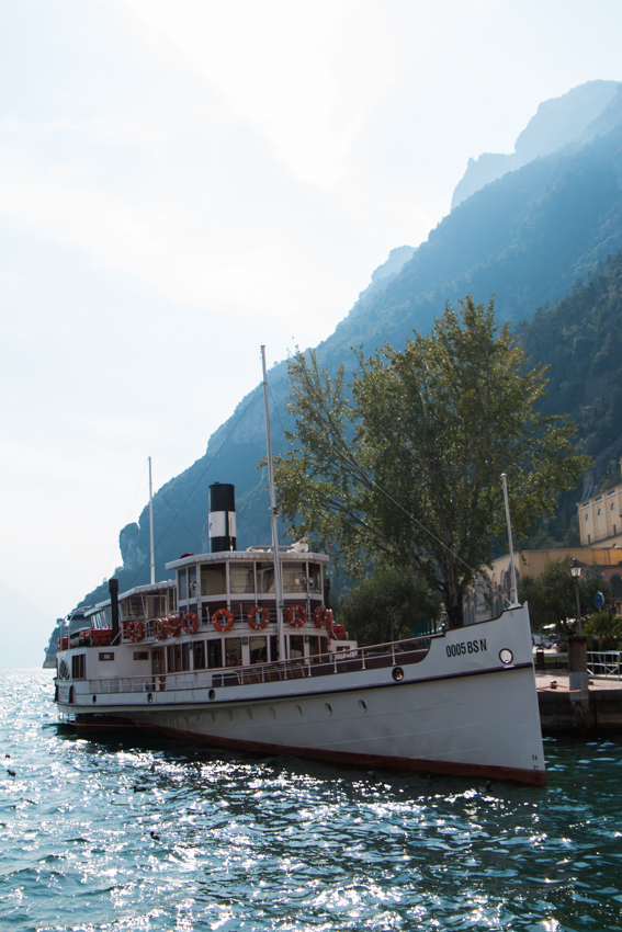 lake-garda-the-middle-of-here-54-37