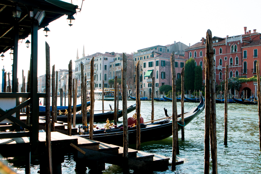venice-honeymoon-the-middle-of-here-22-21