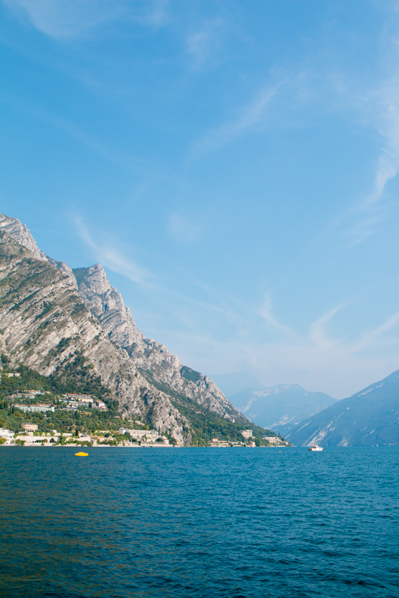 lake-garda-the-middle-of-here-9-5
